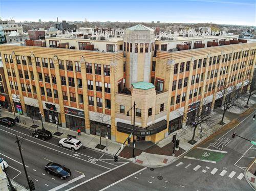 Photo of 1645 W School Street #303, Chicago, IL 60657 (MLS # 10941617)