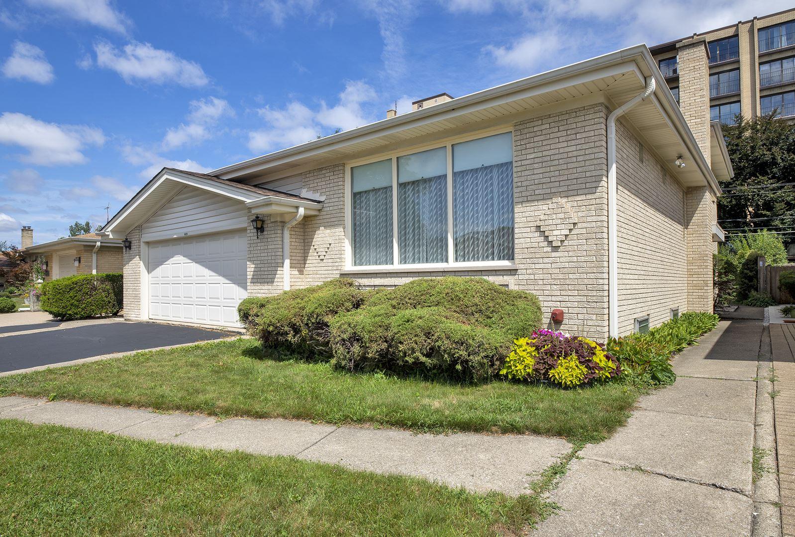4620 W Fitch Avenue, Lincolnwood, IL 60712 - #: 11171621