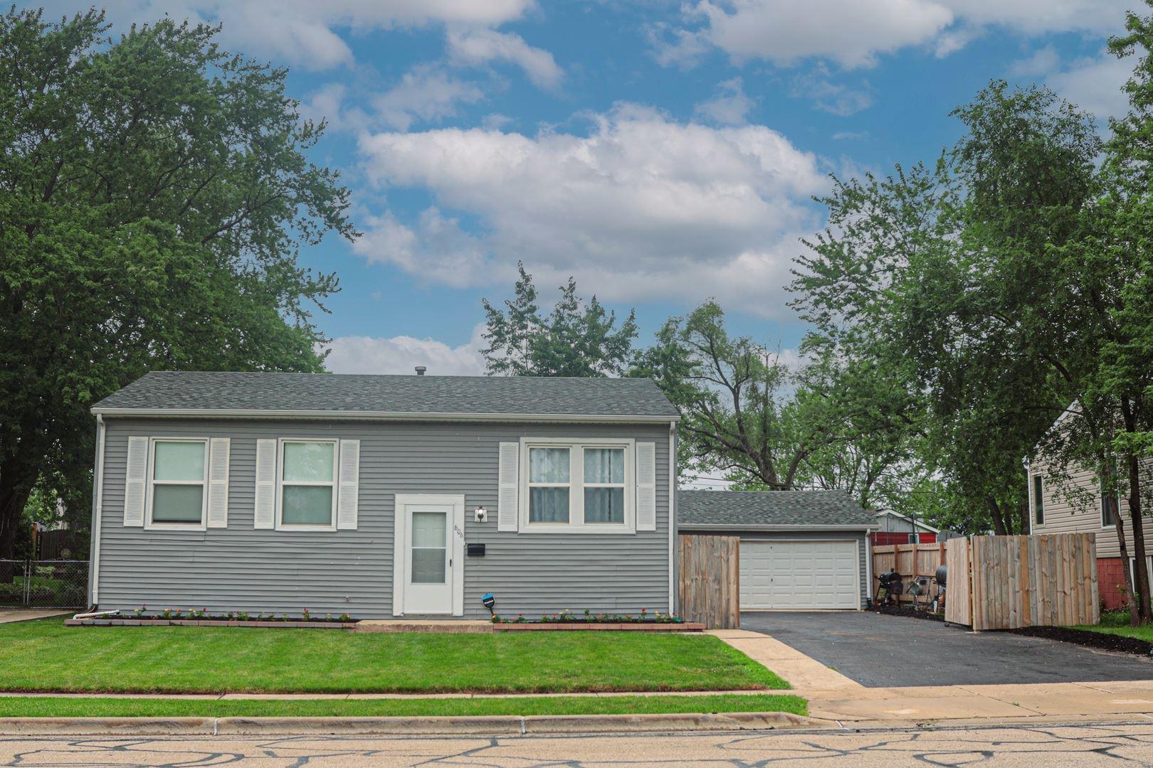 Photo of 606 Murphy Drive, Romeoville, IL 60446 (MLS # 11153623)