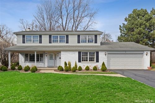 Photo of 9 CAMBERLEY Court, Hinsdale, IL 60521 (MLS # 10634630)