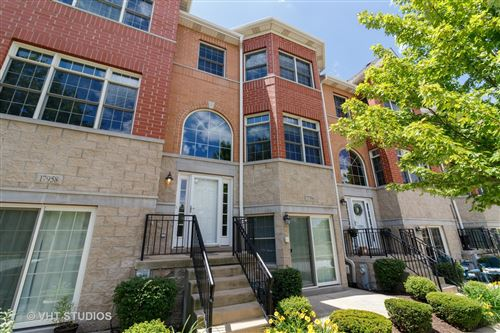 Photo of 17956 Fountain Circle, Orland Park, IL 60467 (MLS # 10765631)