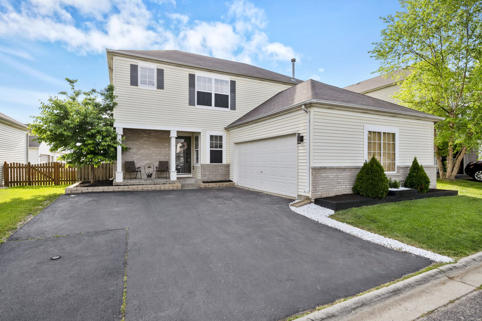 Photo of 178 Coreopsis Court, Romeoville, IL 60446 (MLS # 10736631)