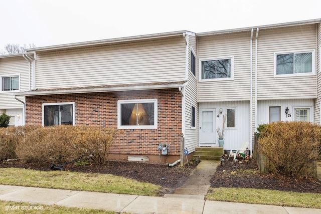 4 Wintergreen Court, Woodridge, IL 60517 - #: 10747635