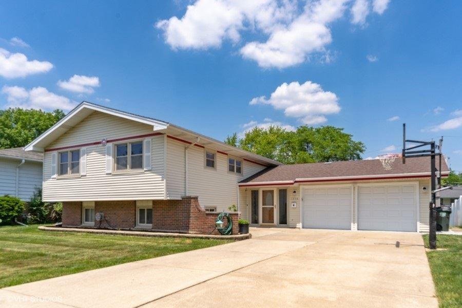 1350 DEVONSHIRE Lane, Hoffman Estates, IL 60169 - #: 10758641