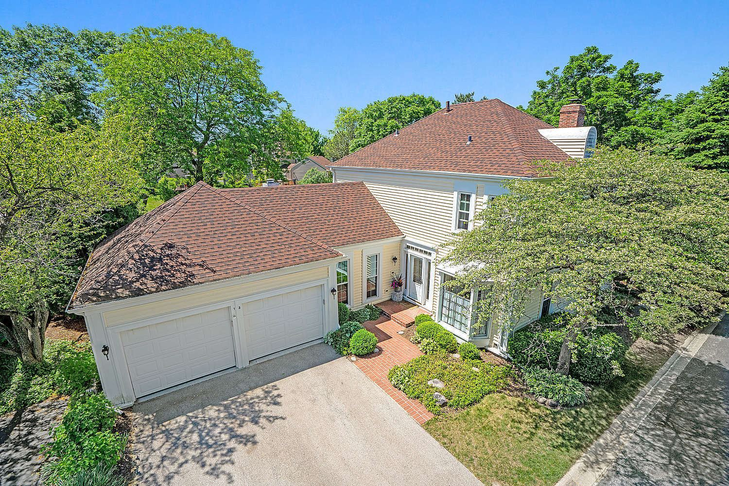13 The Court Of Lagoon View Court, Northbrook, IL 60062 - #: 10734642