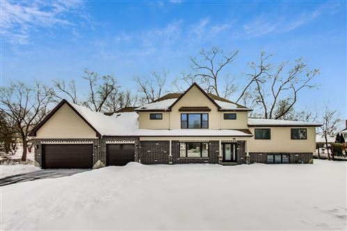 Photo of 138 Hillside Lane, Burr Ridge, IL 60527 (MLS # 11003645)