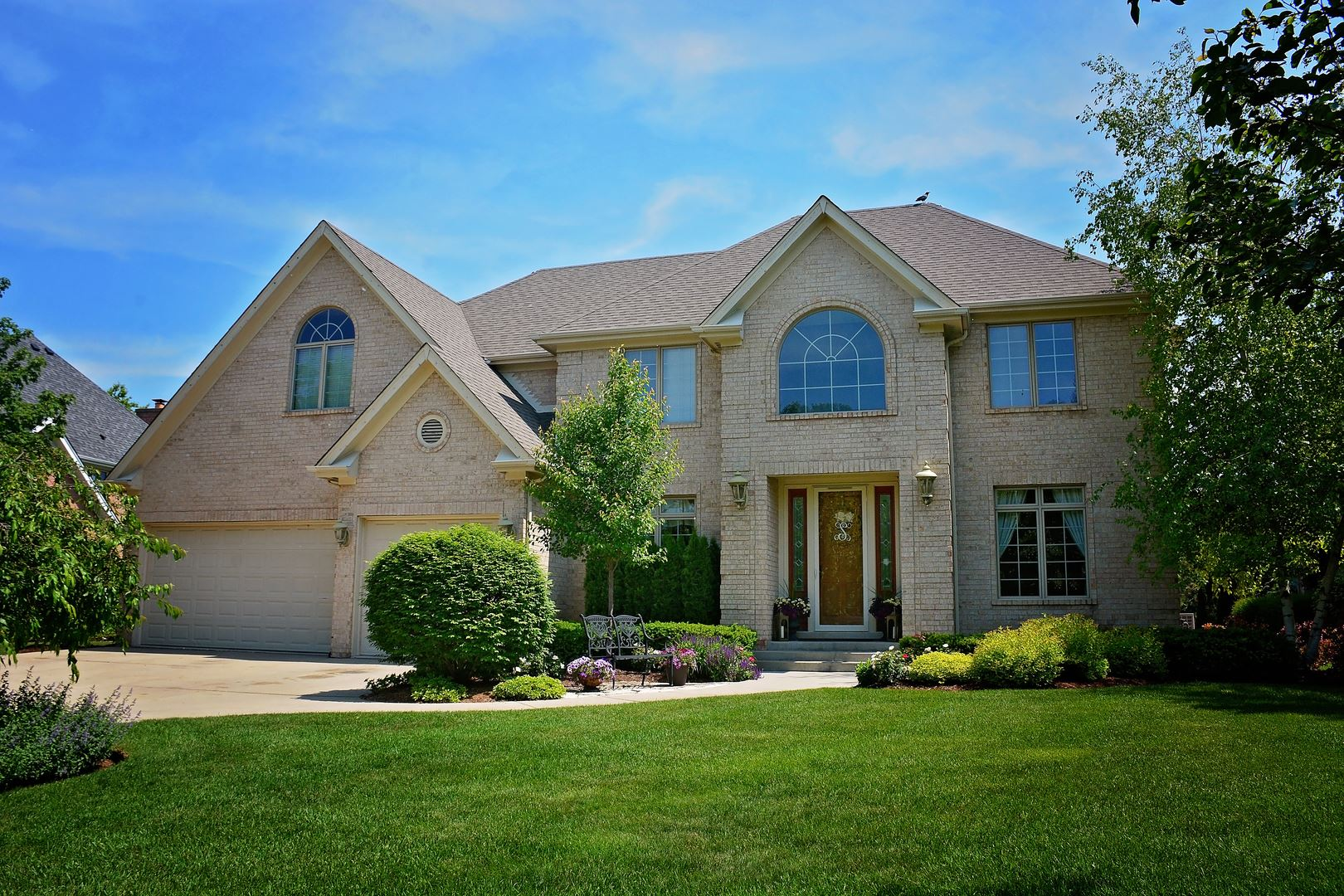 2083 Laurel Valley Drive, Vernon Hills, IL 60061 - #: 10754645