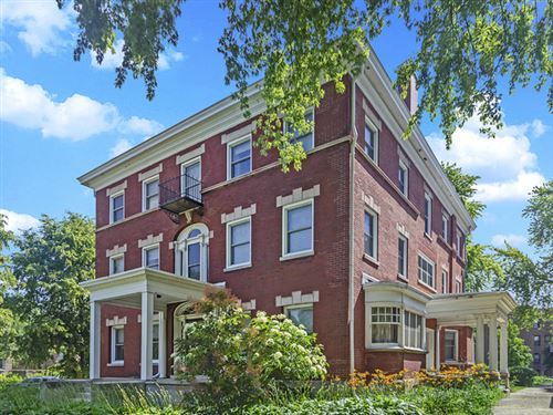 Photo of 5001 S GREENWOOD Avenue, Chicago, IL 60615 (MLS # 10779647)