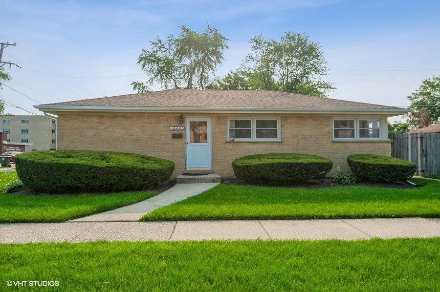 8445 Morton Avenue, Morton Grove, IL 60053 - #: 11164648