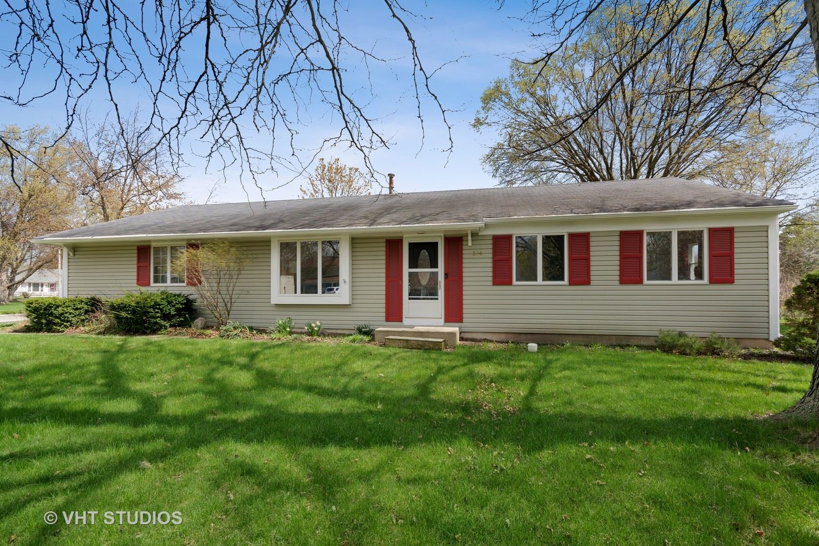 Photo of 324 Boulder Hill Pass, Oswego, IL 60543 (MLS # 11040649)