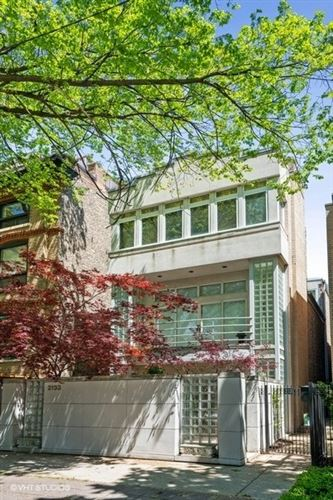 Photo of 2133 N LAKEWOOD Avenue, Chicago, IL 60614 (MLS # 11088651)
