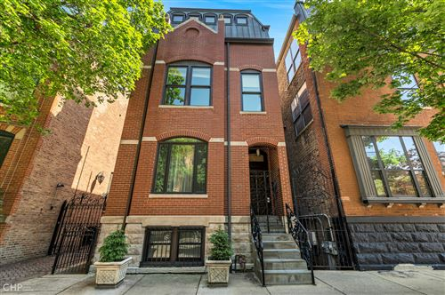 Photo of 125 W DELAWARE Place, Chicago, IL 60610 (MLS # 11172651)