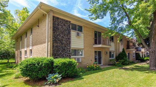 Photo of 531 Carlysle Drive #11, Clarendon Hills, IL 60514 (MLS # 10759652)