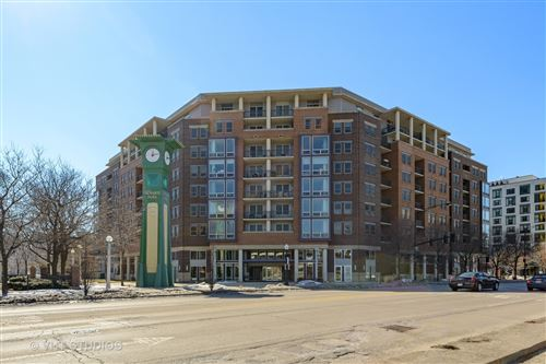 Photo of 437 W DIVISION Street #810, Chicago, IL 60610 (MLS # 11011652)