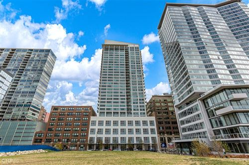 Photo of 701 S WELLS Street #3401, Chicago, IL 60607 (MLS # 10969659)
