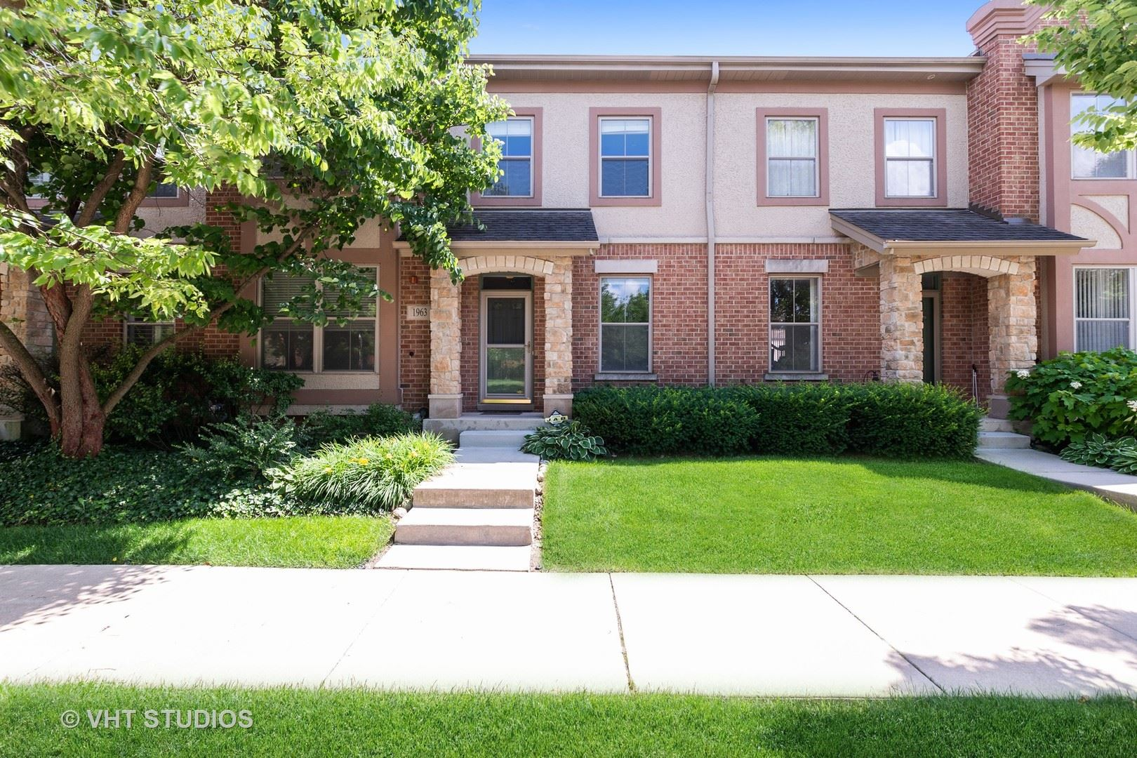 1963 Farnsworth Lane, Northbrook, IL 60062 - #: 10725659