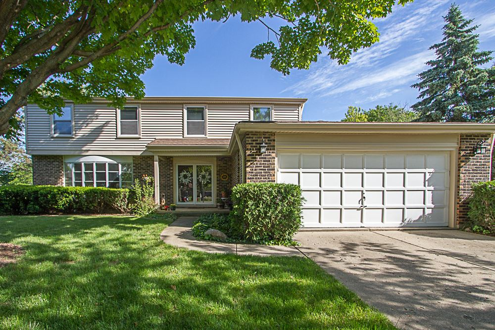 1138 Weeping Willow Lane, Libertyville, IL 60048 - #: 10739660