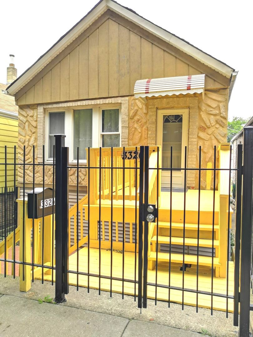 3326 S Seeley Avenue, Chicago, IL 60608 - #: 10779661