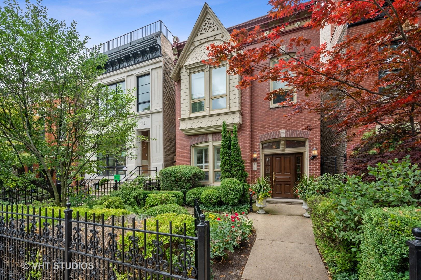 2112 N Clifton Avenue, Chicago, IL 60614 - #: 10800661