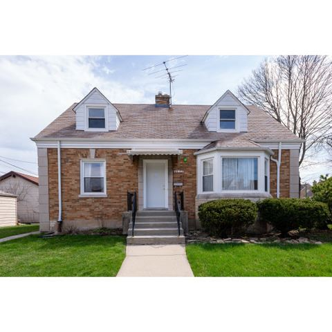 Photo of 6622 W Melrose Street, Chicago, IL 60634 (MLS # 10685662)