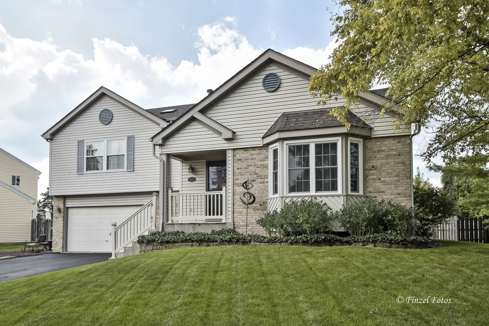 729 White Pine Circle, Lake in the Hills, IL 60156 - #: 11192662