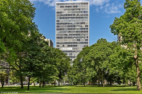 Photo of 2400 N Lakeview Avenue #1004, Chicago, IL 60614 (MLS # 11214663)