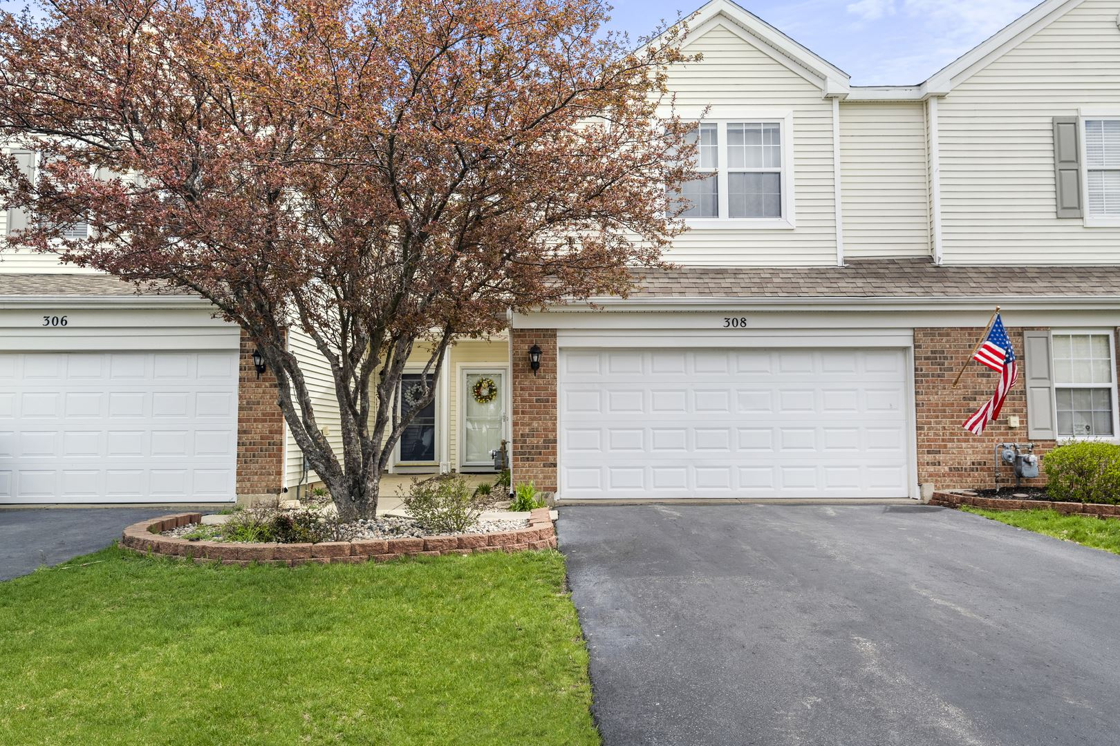 Photo of 308 Parkside Drive, Shorewood, IL 60404 (MLS # 11054664)