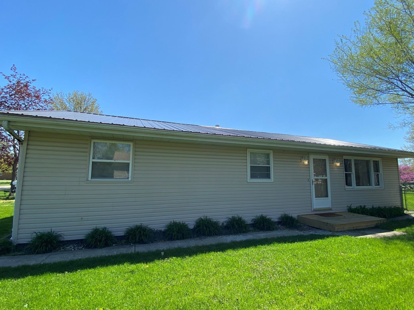 545 E 3rd Street, Coal City, IL 60416 - #: 10704665