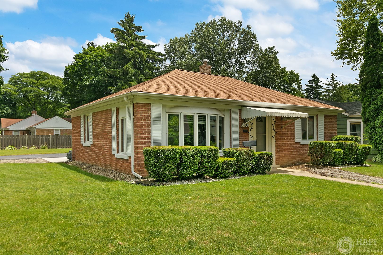 400 S 4th Avenue, Libertyville, IL 60048 - #: 10765668