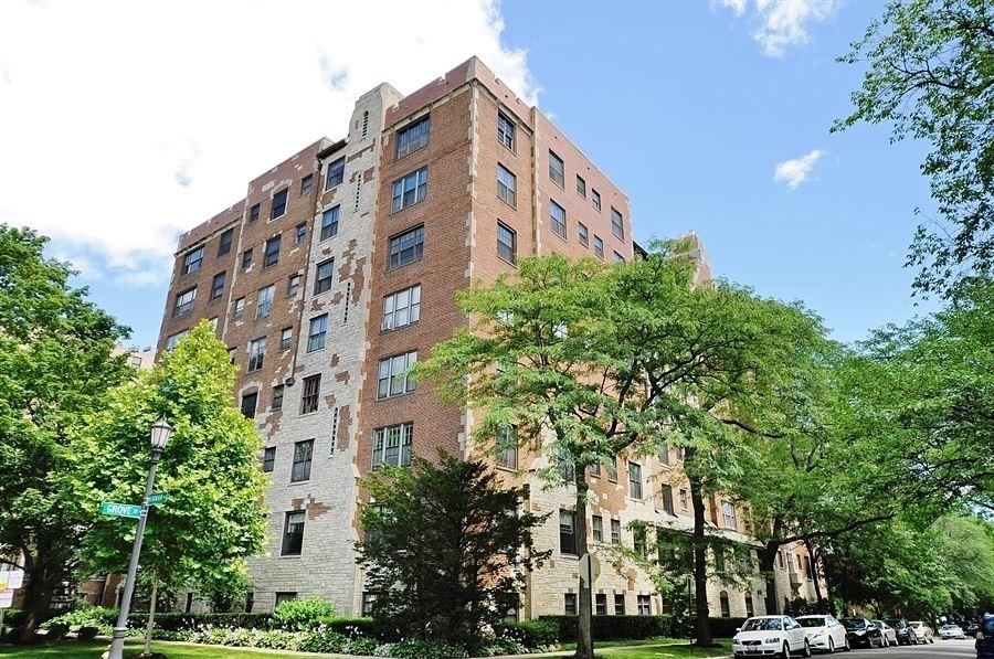 Photo for 425 Grove Street #3D, Evanston, IL 60201 (MLS # 10906671)