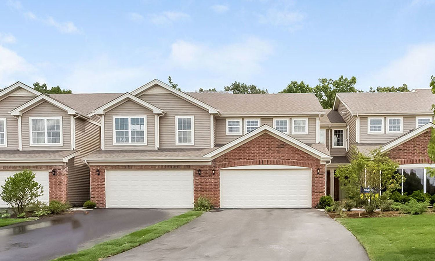 16 West Lake Court, Cary, IL 60013 - #: 11237672