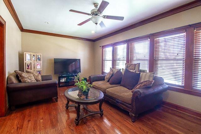 127 Bellwood Avenue, Bellwood, IL 60104 - #: 10498674