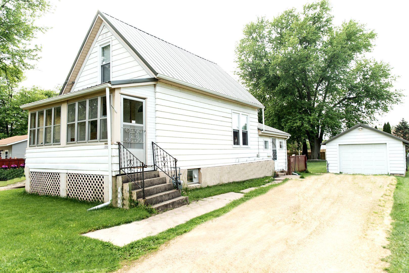 2015 Cummins Street, Dixon, IL 61021 - #: 10724676
