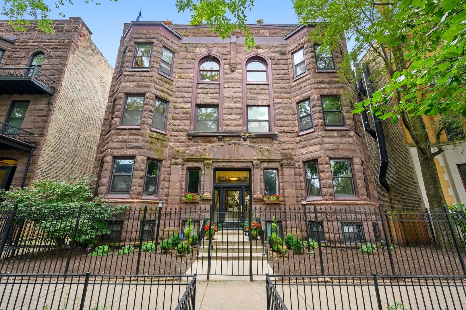 Photo for 3752 N Sheffield Avenue #3S, Chicago, IL 60613 (MLS # 10801679)