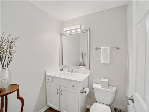 Tiny photo for 525 Chicago Avenue #H, Evanston, IL 60202 (MLS # 10967680)