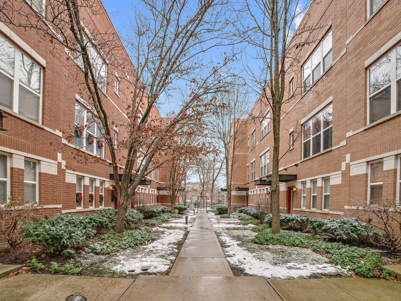 Photo for 525 Chicago Avenue #H, Evanston, IL 60202 (MLS # 10967680)