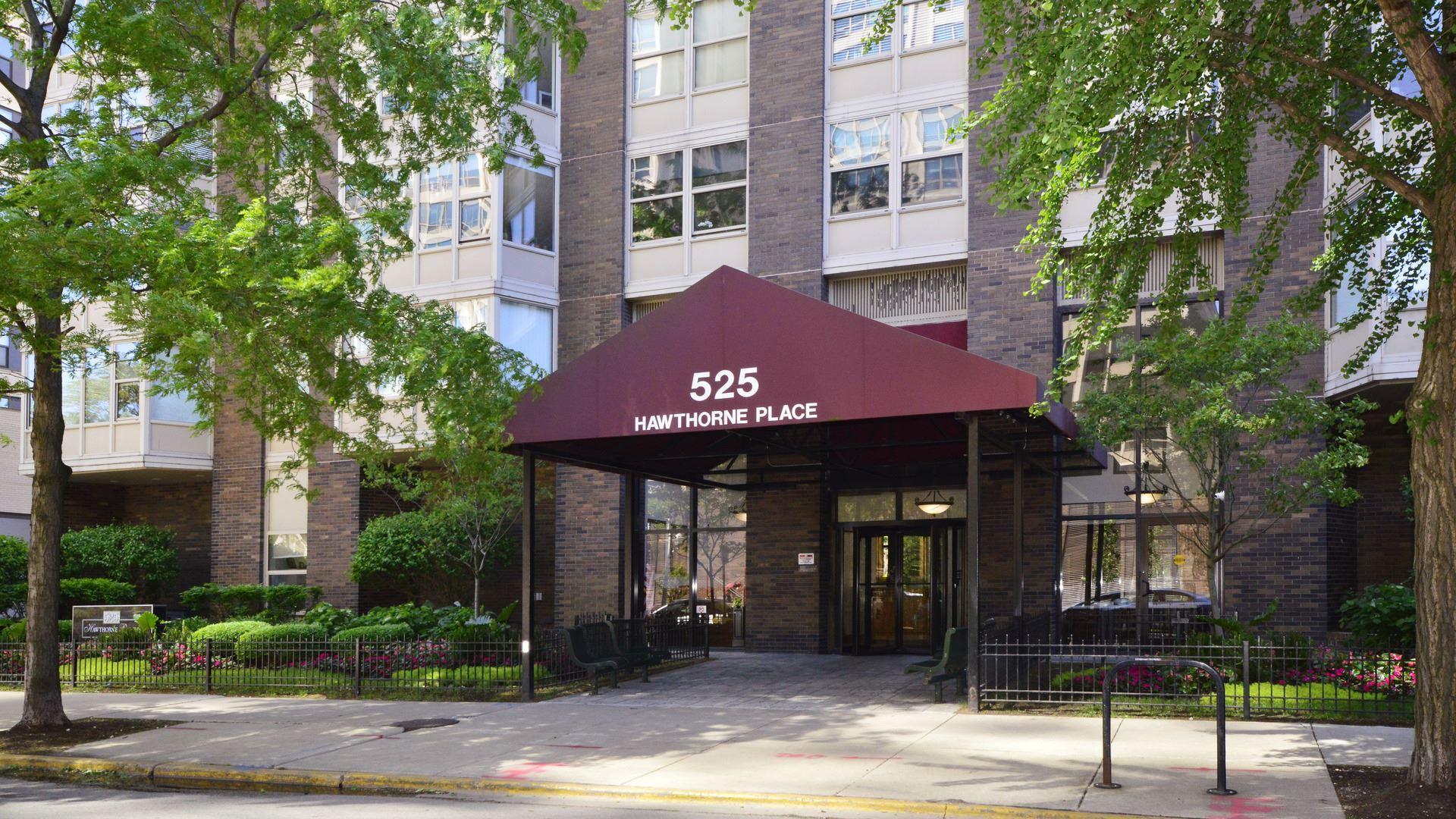 525 W HAWTHORNE Place #2301, Chicago, IL 60657 - #: 10773683