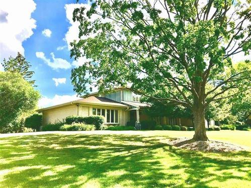 Photo of 5 Lambeth Court, Oak Brook, IL 60523 (MLS # 11157684)