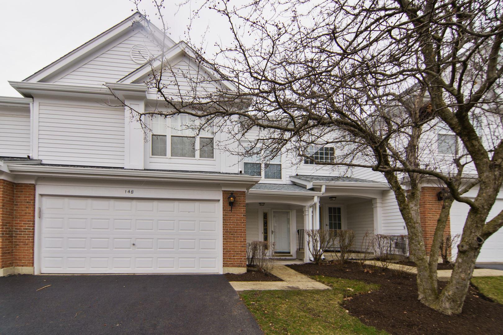 Photo for 148 Crescent Lane, Schaumburg, IL 60193 (MLS # 10670686)
