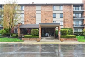 Photo of 201 Lake Hinsdale Drive #211, WILLOWBROOK, IL 60527 (MLS # 10361689)