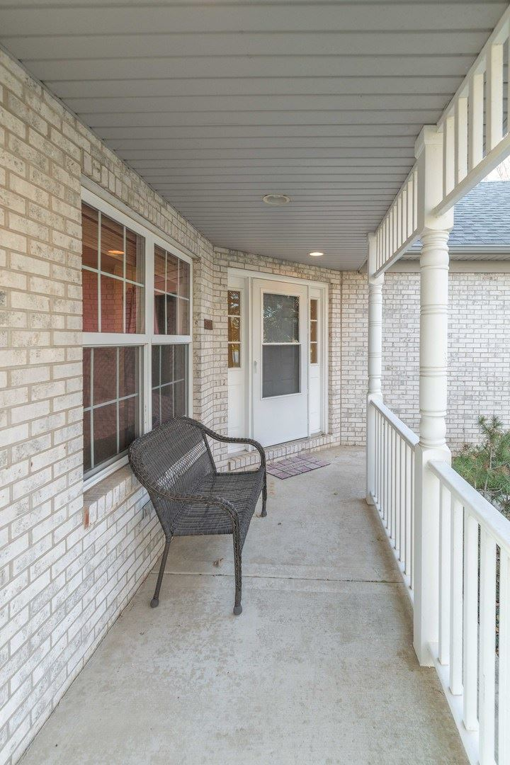 Photo of 403 Carlton Court, Oswego, IL 60543 (MLS # 10926690)