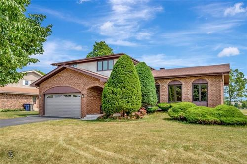 Photo of 13711 Lincolnshire Drive, Orland Park, IL 60462 (MLS # 10814691)