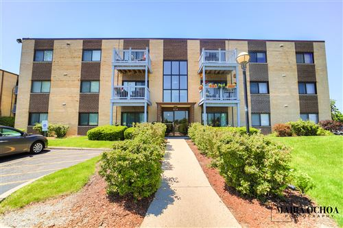Photo of 674 Pinecrest Drive #202, Prospect Heights, IL 60070 (MLS # 10884694)