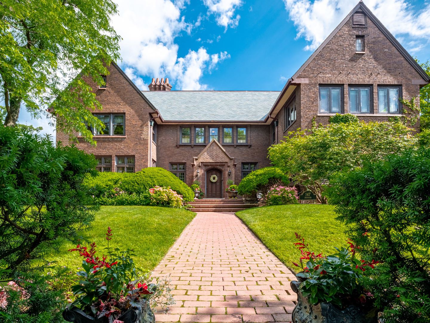 Photo for 147 Dempster Street, Evanston, IL 60201 (MLS # 10946695)