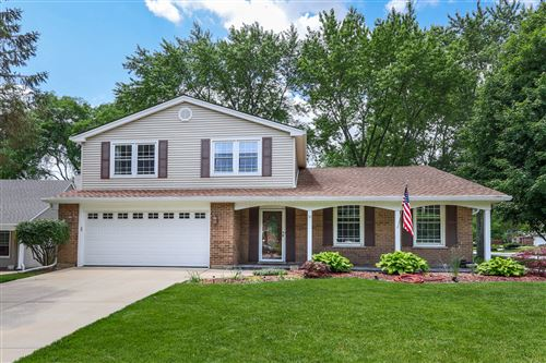 Photo of 10 Papago Court, Naperville, IL 60563 (MLS # 10764696)