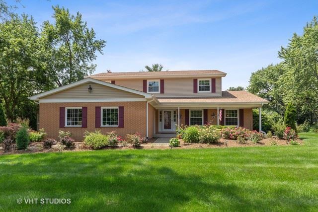 Photo for 120 South Deerpath Road, BARRINGTON, IL 60010 (MLS # 10456697)