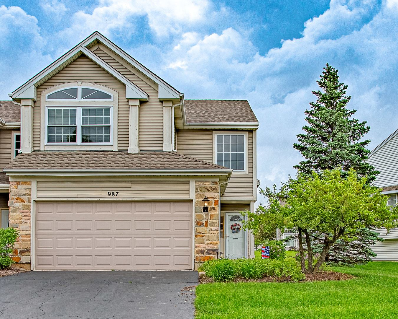 987 VIEWPOINT Drive #987, Lake in the Hills, IL 60156 - #: 10730697