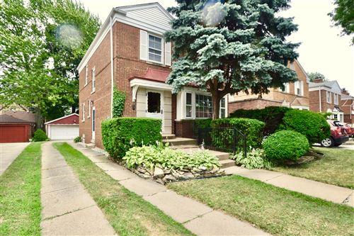 Photo of 9611 S Oakley Avenue, Chicago, IL 60643 (MLS # 10944704)