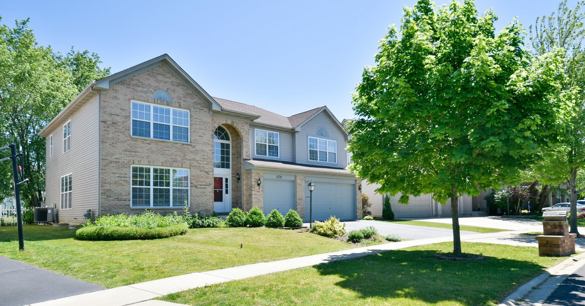 4711 Windridge Court, Carpentersville, IL 60110 - #: 11105704
