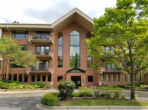 Photo of 3525 South Cass Court #514, OAK BROOK, IL 60523 (MLS # 10300706)